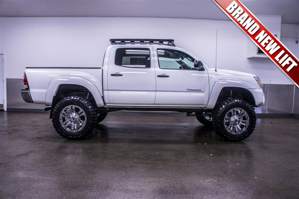 used 2013 toyota tacoma sr5 4x4 truck for sale 17146. Black Bedroom Furniture Sets. Home Design Ideas