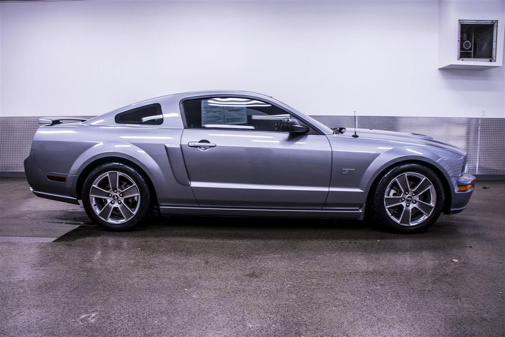 used 2006 ford mustang gt coupe for sale 17322a. Black Bedroom Furniture Sets. Home Design Ideas