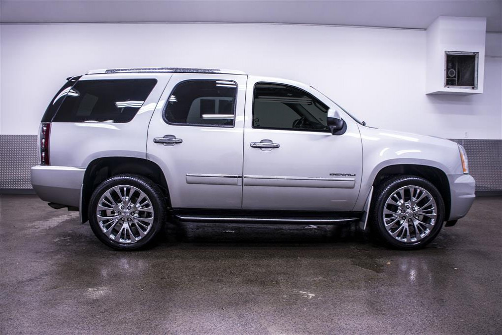 used 2010 gmc yukon denali awd suv for sale 17520. Black Bedroom Furniture Sets. Home Design Ideas