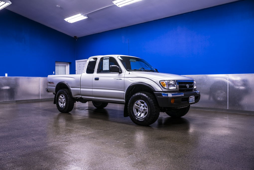used 2000 toyota tacoma sr5 trd 4x4 truck for sale 18371a. Black Bedroom Furniture Sets. Home Design Ideas