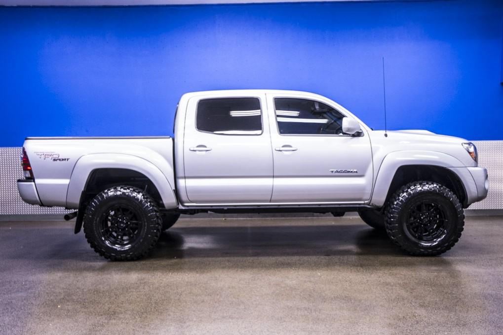 used 2010 toyota tacoma sr5 trd 4x4 truck for sale northwest motorsport. Black Bedroom Furniture Sets. Home Design Ideas
