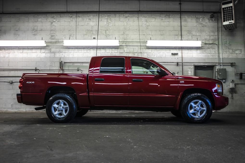 used 2010 dodge dakota sxt 4x4 truck for sale northwest motorsport. Black Bedroom Furniture Sets. Home Design Ideas