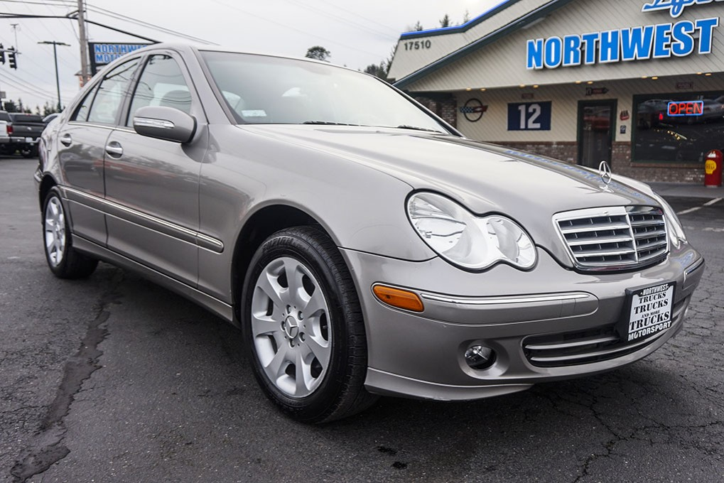 Used 2005 mercedes benz c240 rwd sedan for sale 26152d for Mercedes benz 2005 for sale