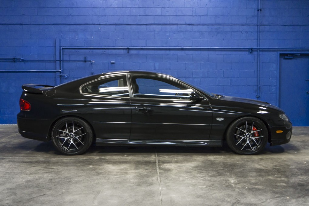 used 2004 pontiac gto rwd coupe for sale 27427c. Black Bedroom Furniture Sets. Home Design Ideas