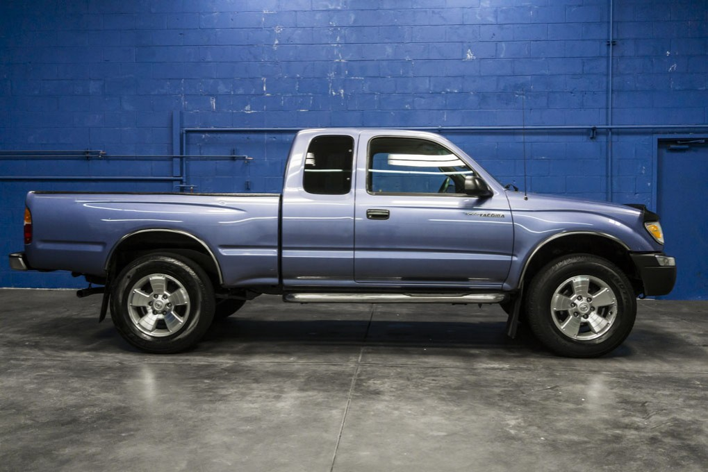 used 2000 toyota tacoma prerunner sr5 rwd truck for sale