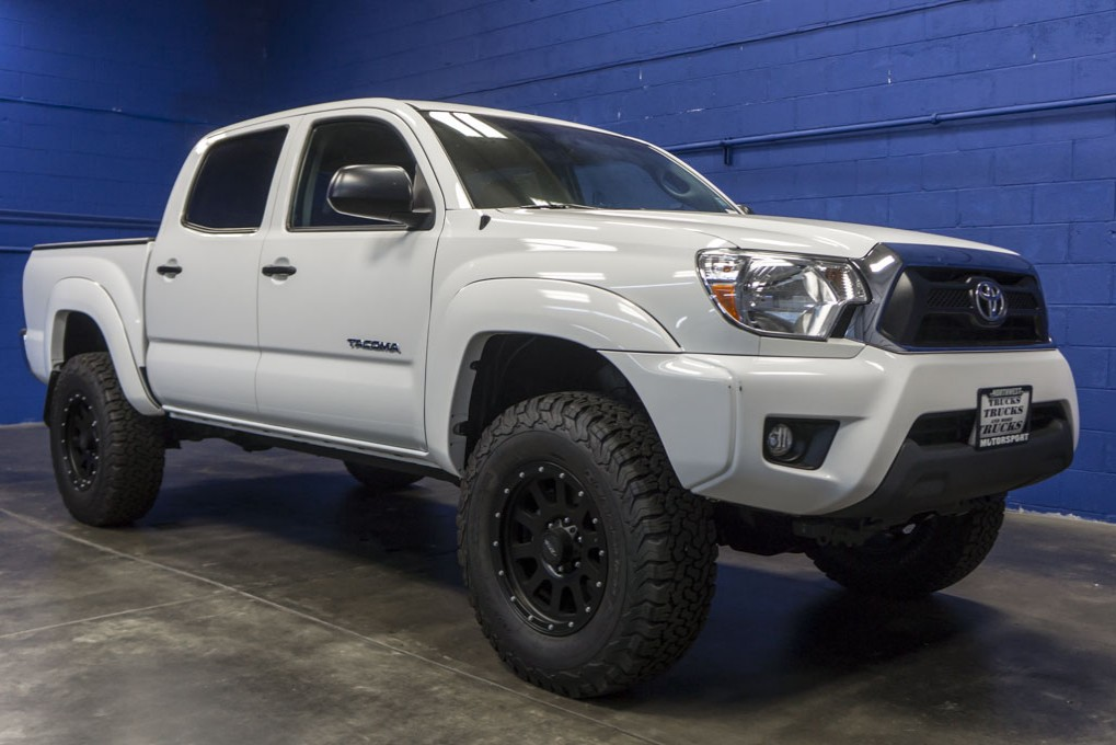 used 2014 toyota tacoma 4x4 truck for sale 28592. Black Bedroom Furniture Sets. Home Design Ideas