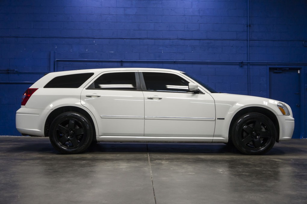 used 2006 dodge magnum rt awd wagon for sale northwest motorsport. Black Bedroom Furniture Sets. Home Design Ideas