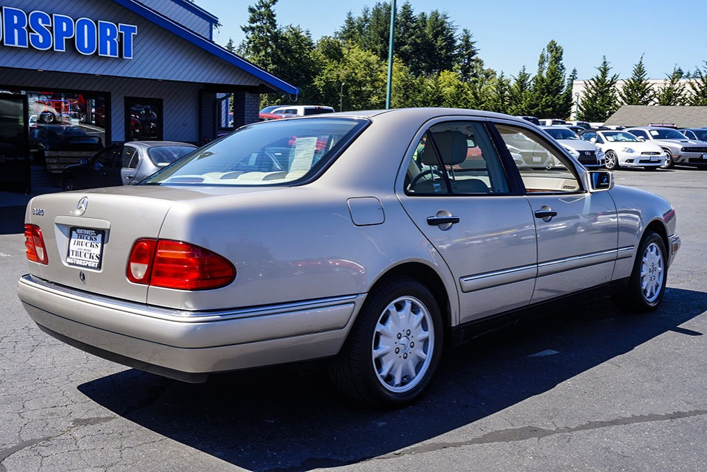 Used 1999 mercedes benz e320 rwd sedan for sale 30505a for Mercedes benz e320 1999