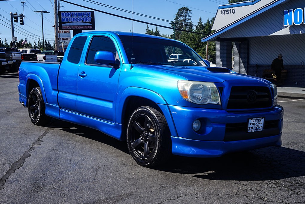 used 2005 toyota tacoma x runner rwd truck for sale 30760m. Black Bedroom Furniture Sets. Home Design Ideas