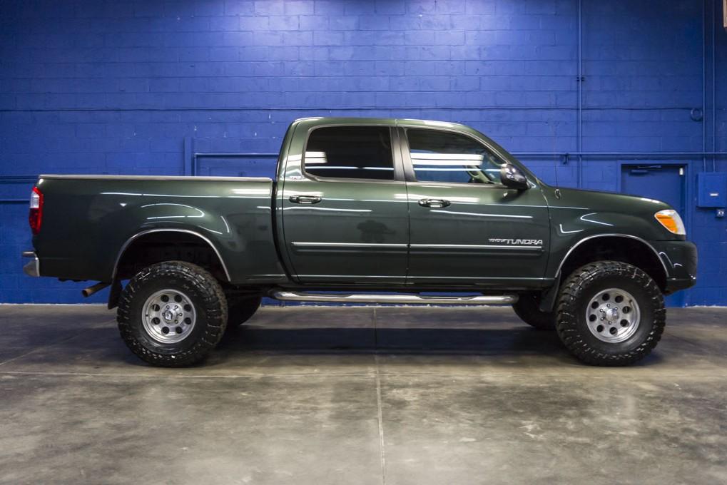 used 2005 toyota tundra sr5 4x4 truck for sale northwest motorsport. Black Bedroom Furniture Sets. Home Design Ideas