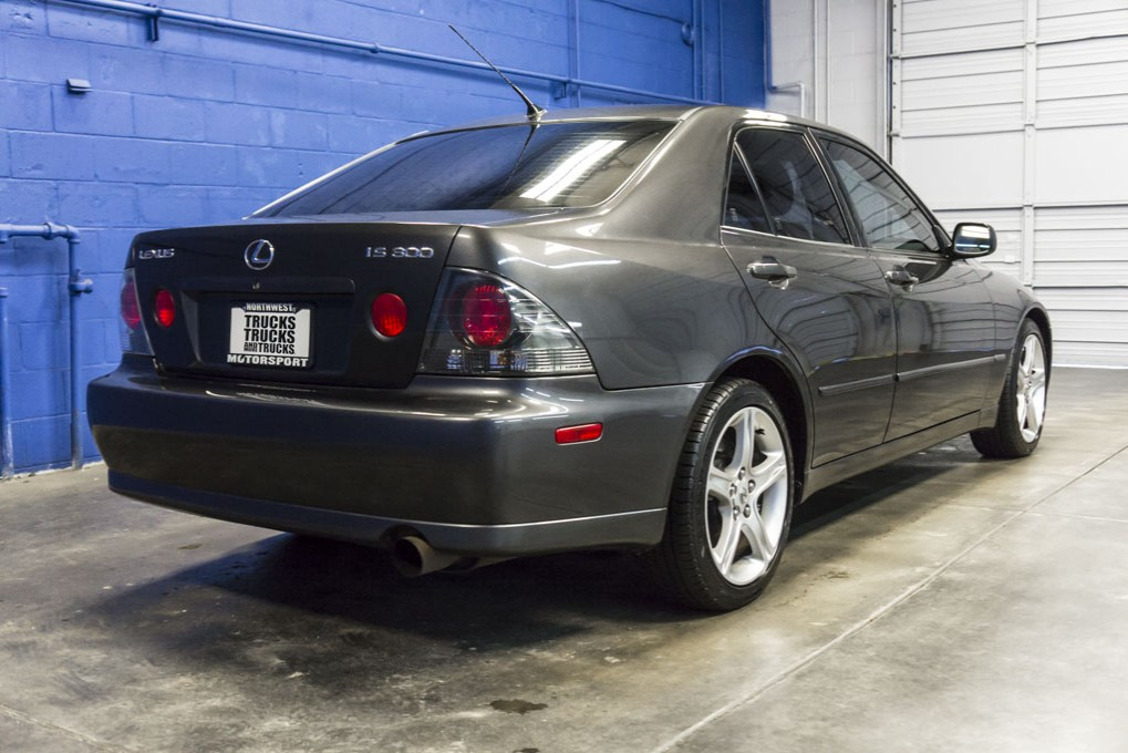 used 2003 lexus is300 rwd sedan for sale 31845a. Black Bedroom Furniture Sets. Home Design Ideas