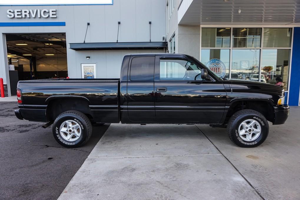 used 2000 dodge ram 1500 4x4 truck for sale northwest motorsport. Black Bedroom Furniture Sets. Home Design Ideas