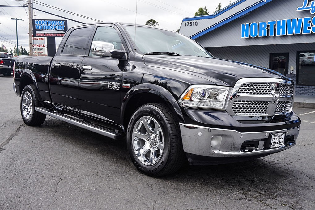 used 2015 dodge ram 1500 laramie 4x4 truck for sale 32286. Black Bedroom Furniture Sets. Home Design Ideas