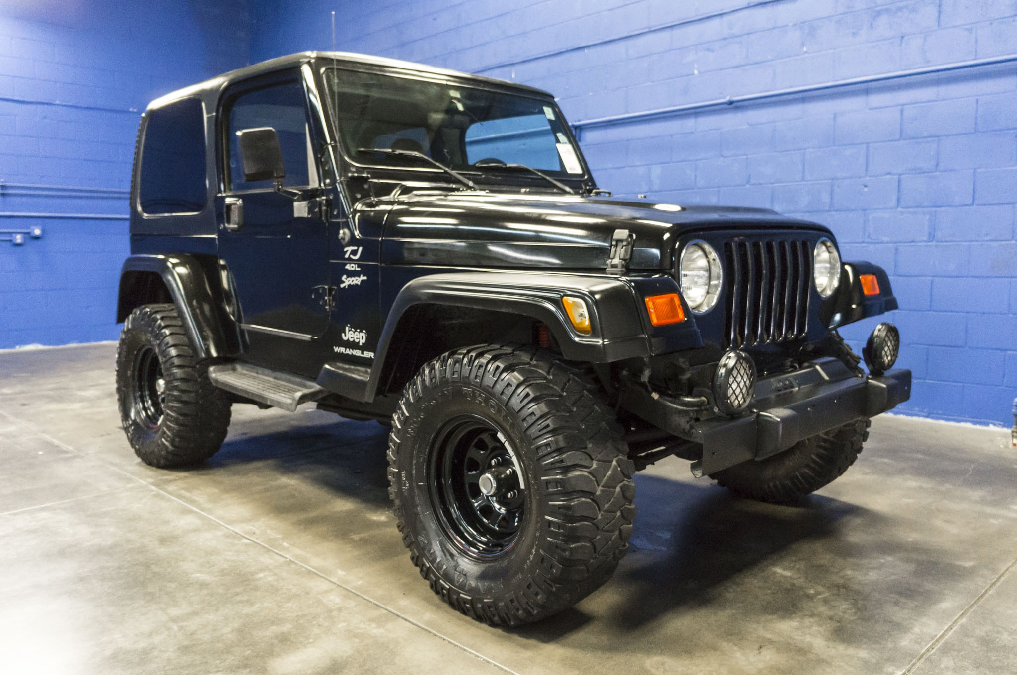 information picture description with for news wrangler youtube specifications sahara model sale sport video jeep