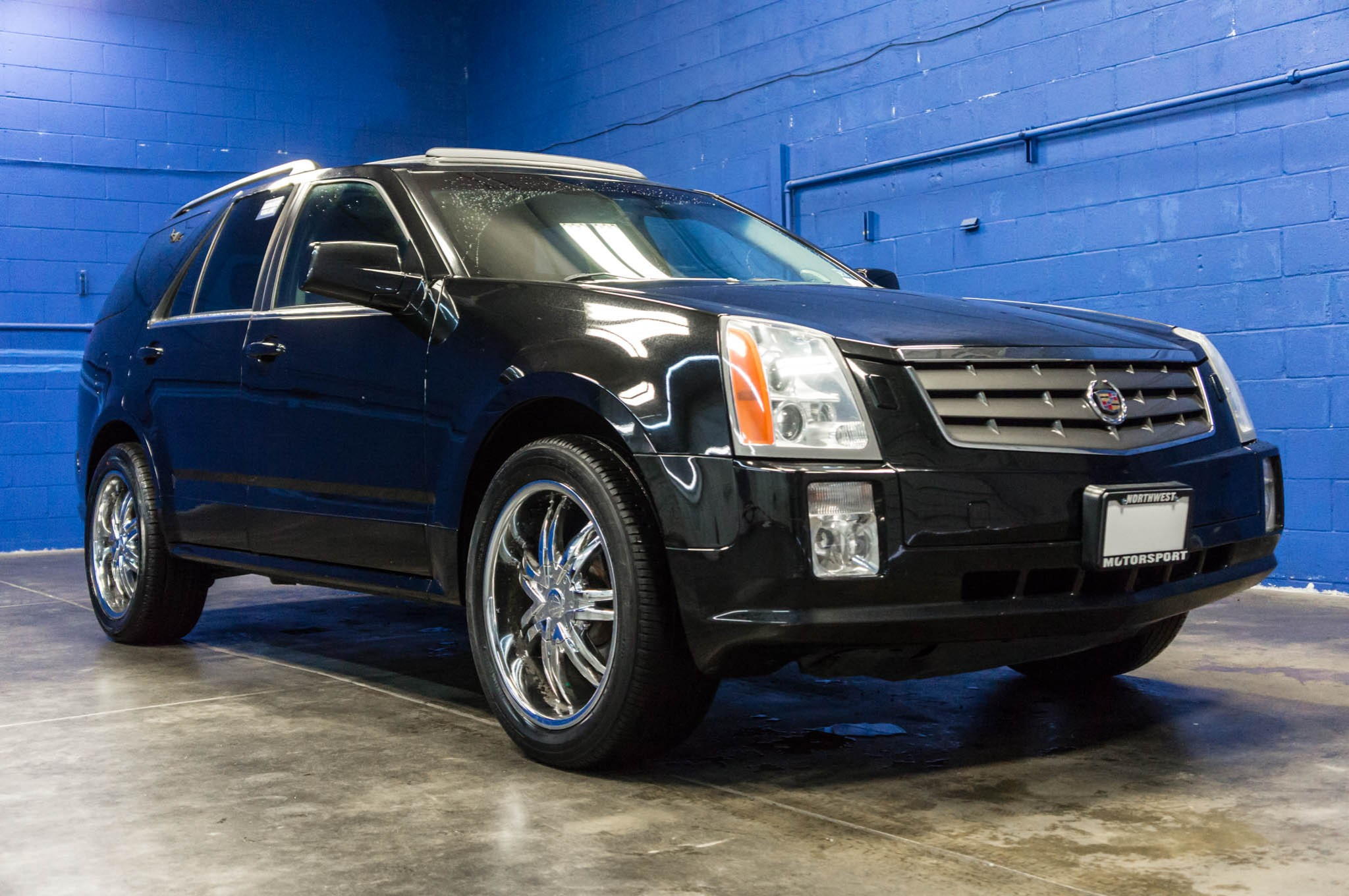used 2004 cadillac srx awd suv for sale northwest motorsport. Black Bedroom Furniture Sets. Home Design Ideas