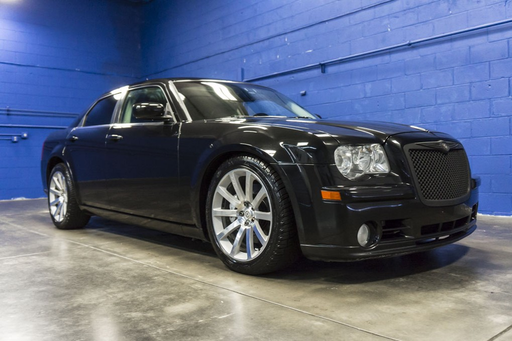 used 2008 chrysler 300 srt 8 rwd sedan for sale 32593. Black Bedroom Furniture Sets. Home Design Ideas