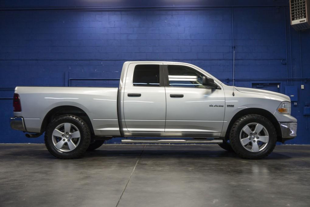 used 2010 dodge ram 1500 slt 4x4 truck for sale northwest motorsport. Black Bedroom Furniture Sets. Home Design Ideas
