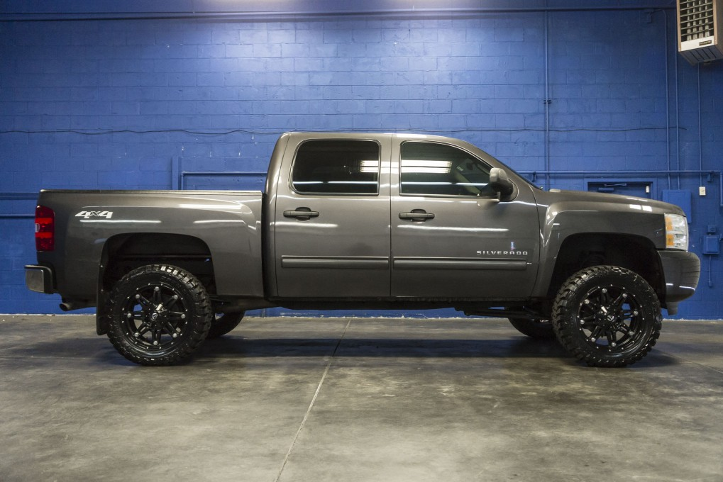 used lifted 2010 chevrolet silverado 1500 lt 4x4 truck for. Black Bedroom Furniture Sets. Home Design Ideas