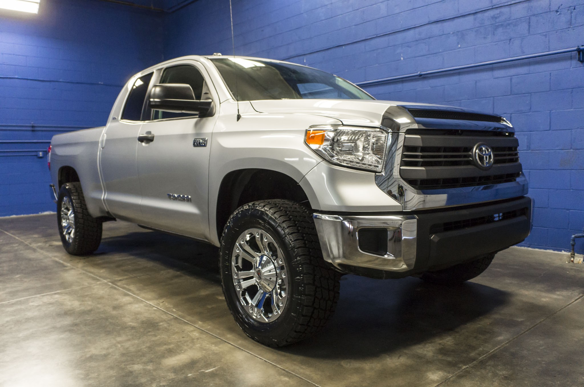 used lifted 2014 toyota tundra srs 4x4 truck for sale 33574. Black Bedroom Furniture Sets. Home Design Ideas