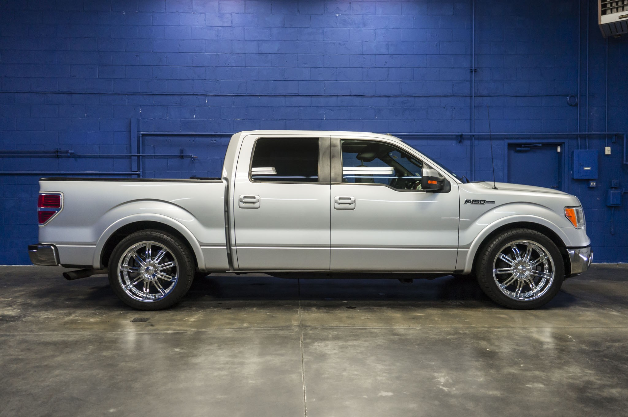 used 2010 ford f 150 lariat lowered sport truck truck for. Black Bedroom Furniture Sets. Home Design Ideas