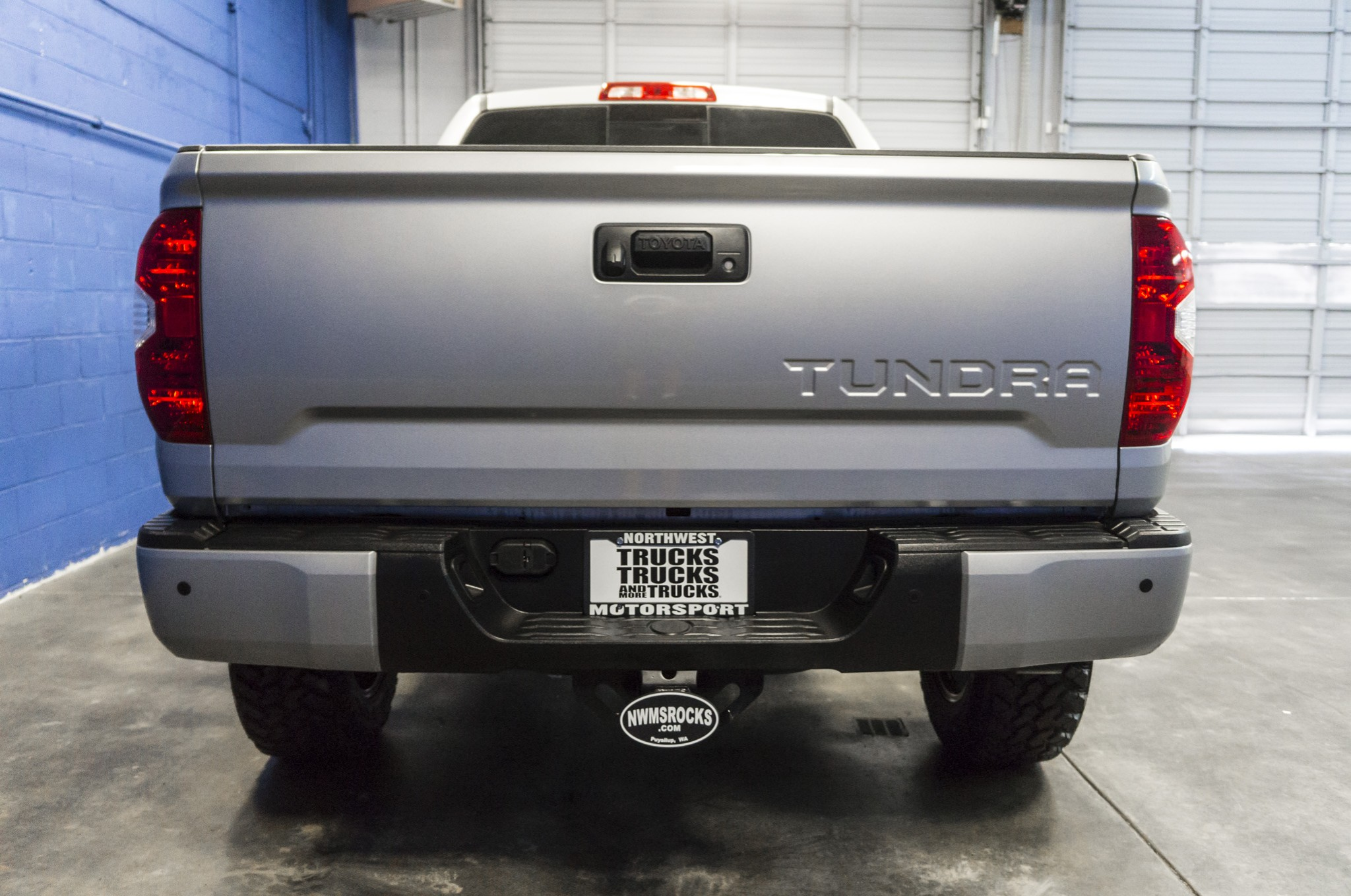 used lifted 2016 toyota tundra limited 4x4 truck for sale 33599. Black Bedroom Furniture Sets. Home Design Ideas