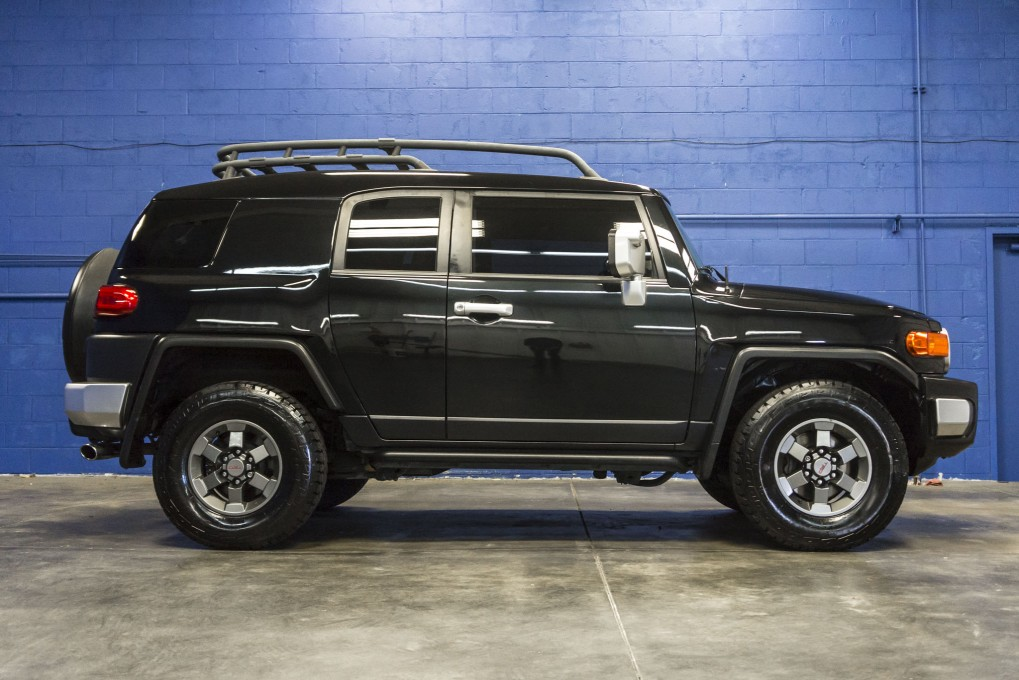 used 2007 toyota fj cruiser trd 4x4 suv for sale northwest motorsport. Black Bedroom Furniture Sets. Home Design Ideas