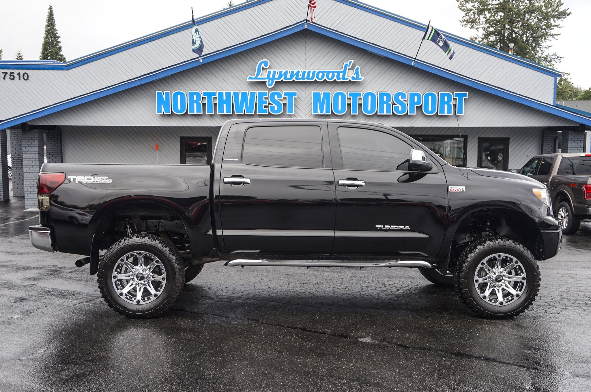 used lifted 2012 toyota tundra limited 4x4 truck for sale 33763. Black Bedroom Furniture Sets. Home Design Ideas