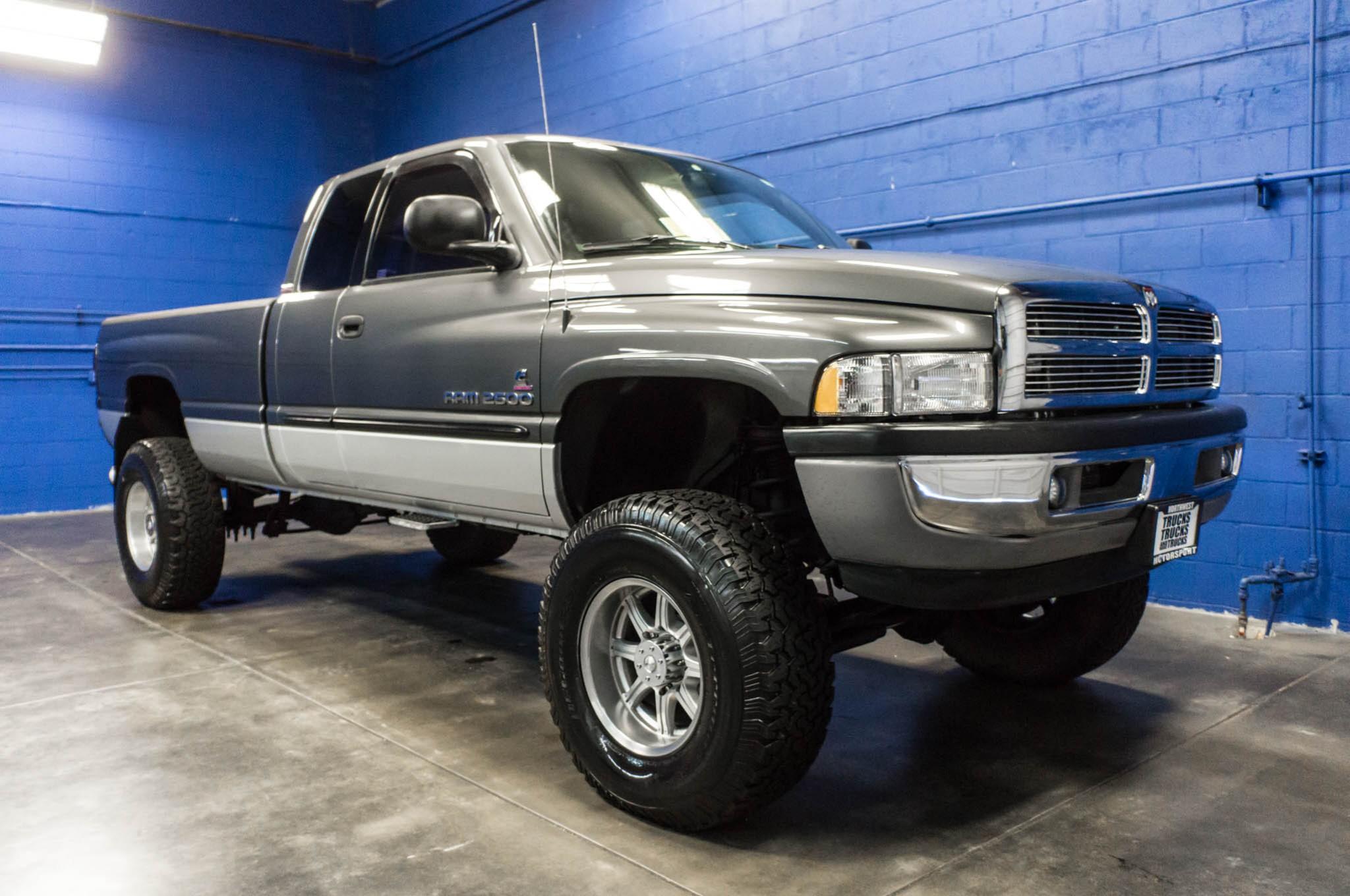used 2002 dodge ram 2500 slt 4x4 diesel truck for sale 33786. Black Bedroom Furniture Sets. Home Design Ideas