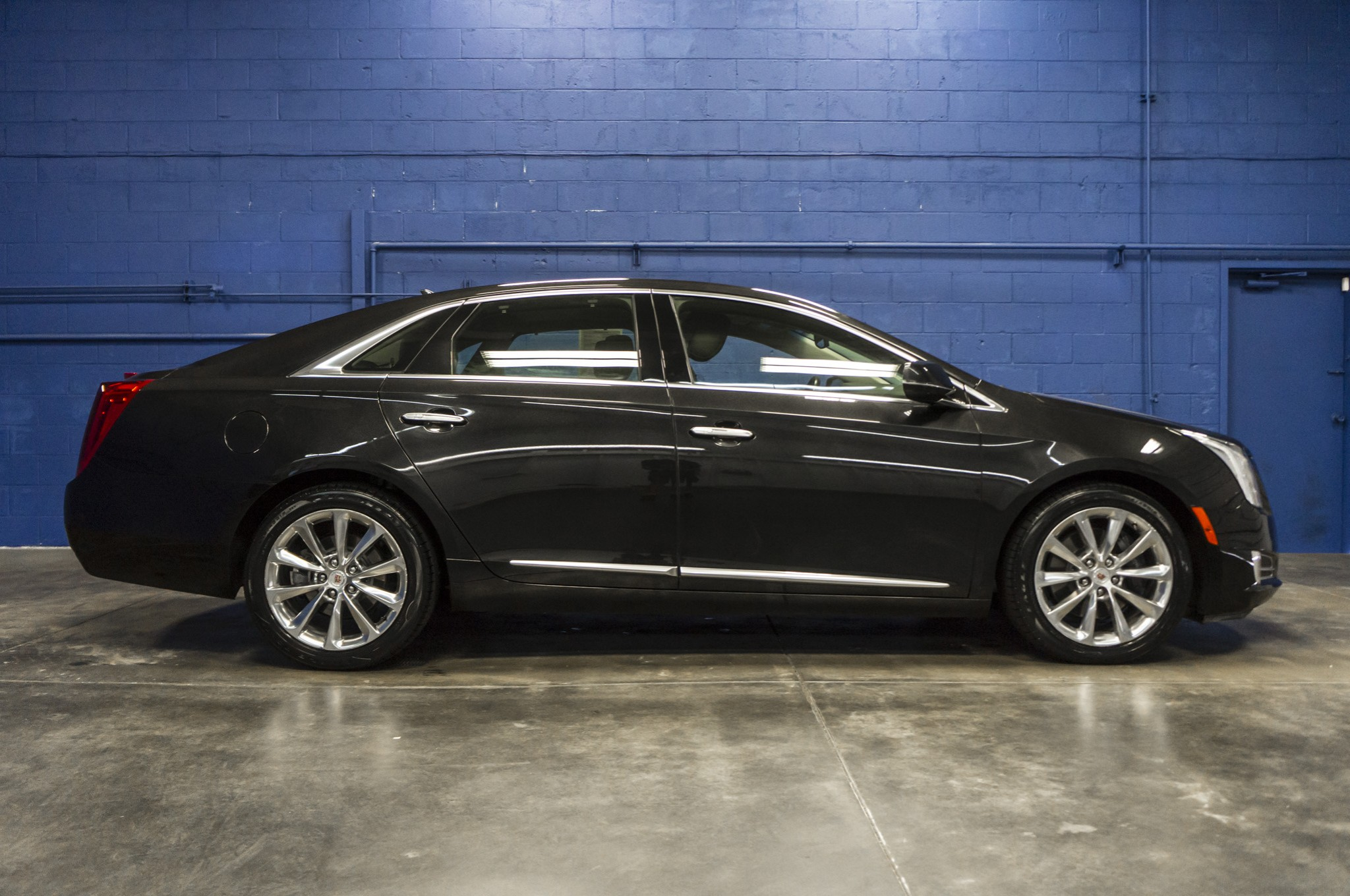 used 2013 cadillac xts premium awd sedan for sale 33801. Black Bedroom Furniture Sets. Home Design Ideas