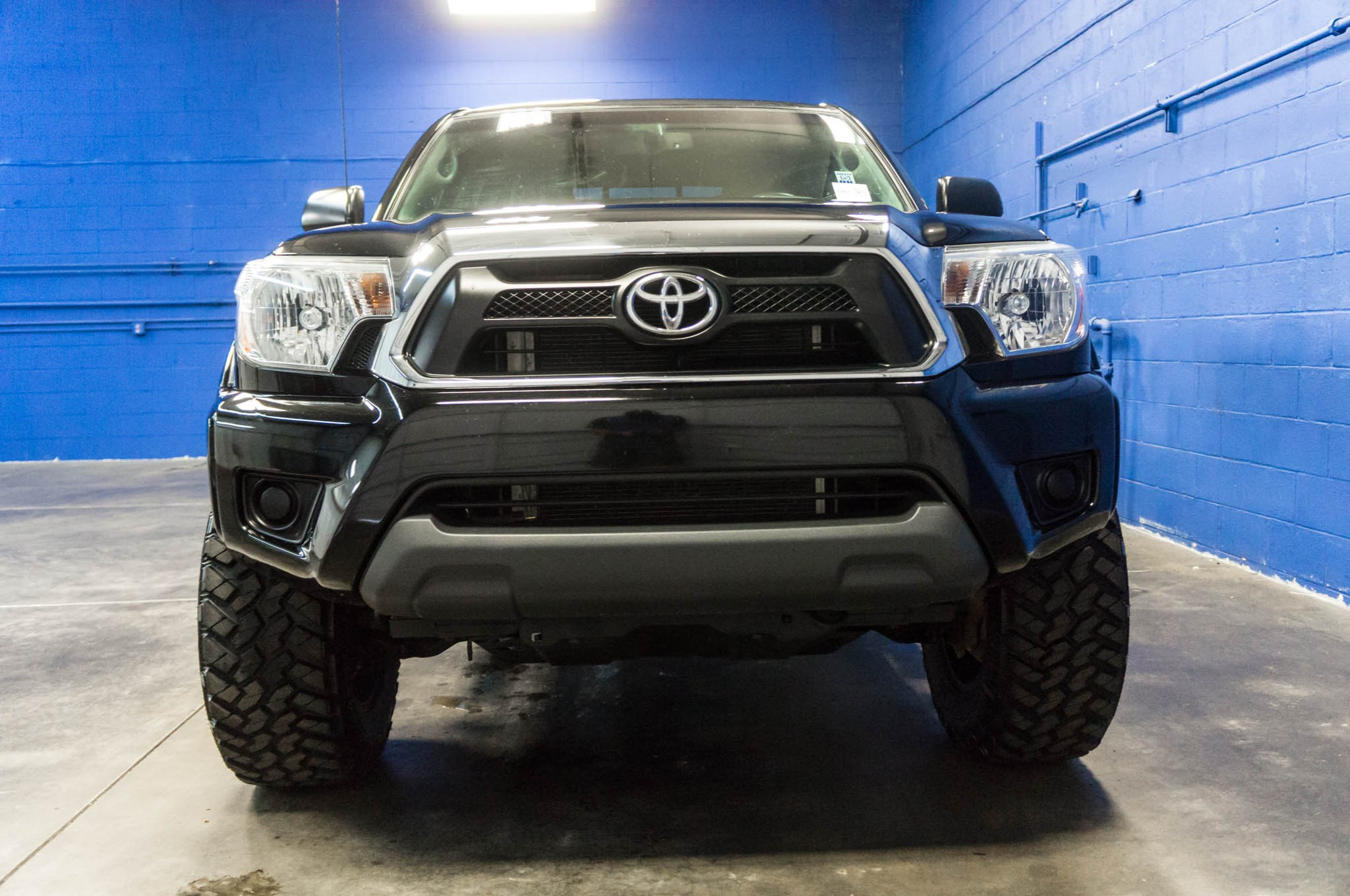 used lifted 2013 toyota tacoma sr5 4x4 truck for sale 33963. Black Bedroom Furniture Sets. Home Design Ideas