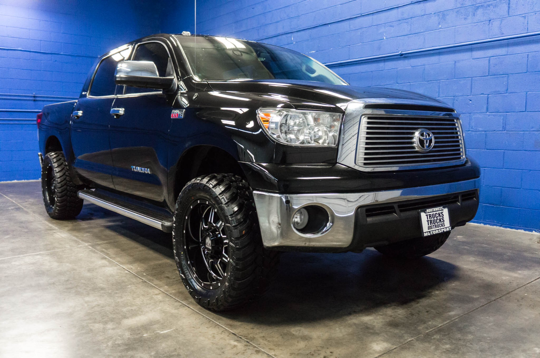 used lifted 2011 toyota tundra platinum 4x4 truck for sale. Black Bedroom Furniture Sets. Home Design Ideas