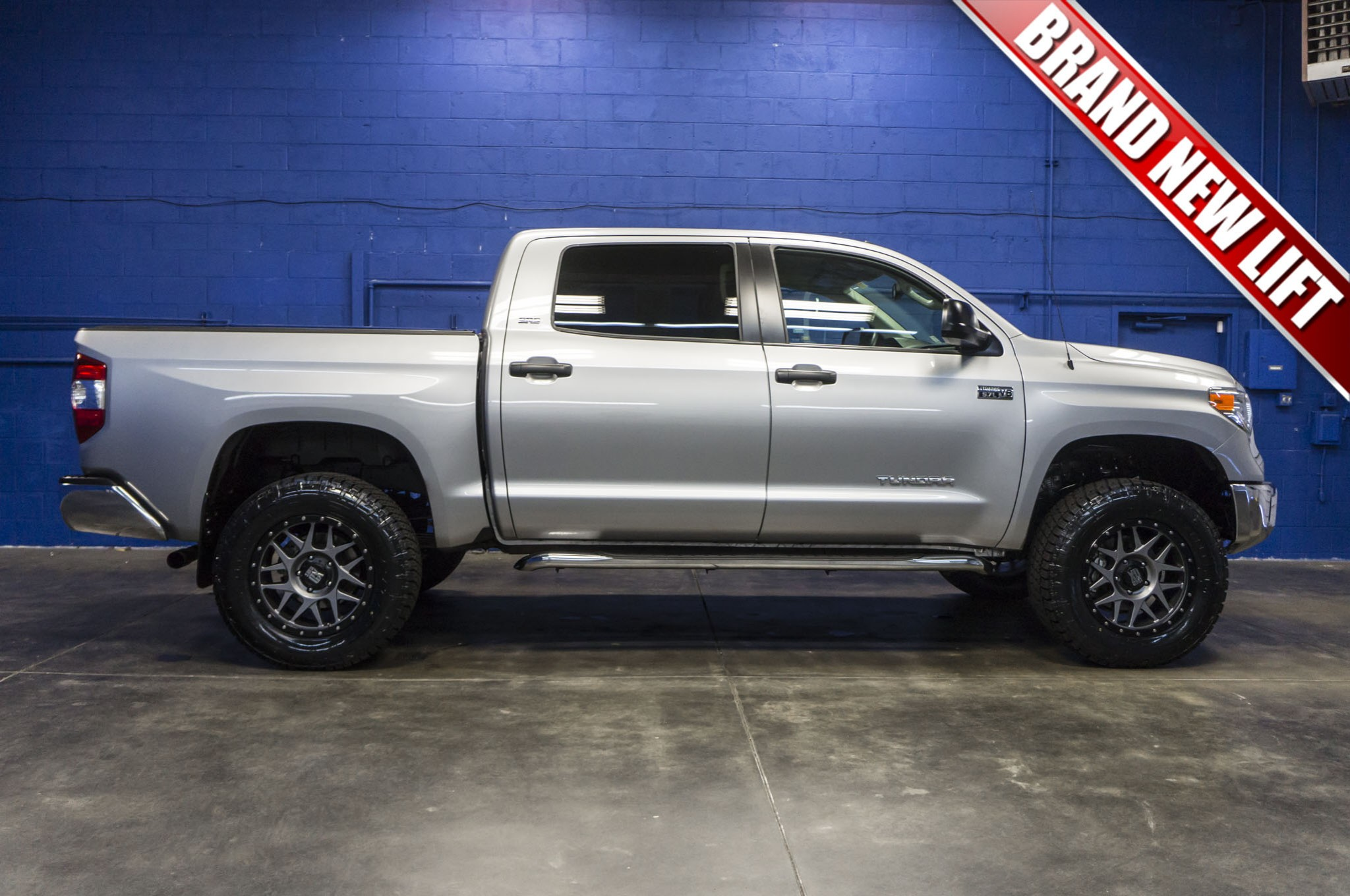 used lifted 2015 toyota tundra sr5 4x4 truck for sale 34202. Black Bedroom Furniture Sets. Home Design Ideas