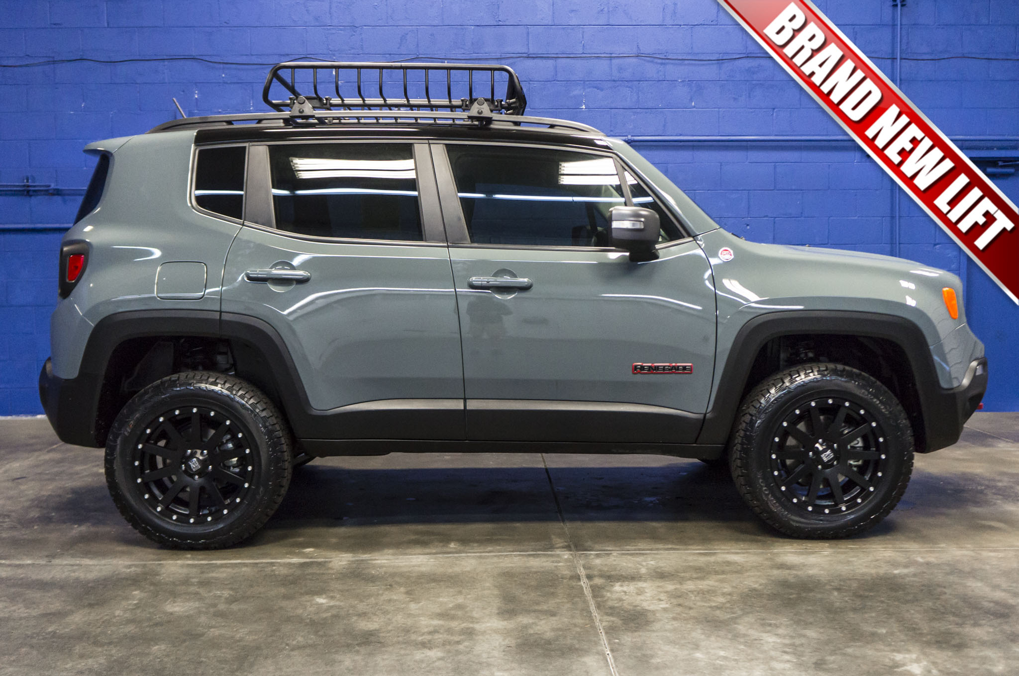 Jeep Renegade Lifted >> Used Lifted 2016 Jeep Renegade Trailhawk 4x4 Suv For Sale