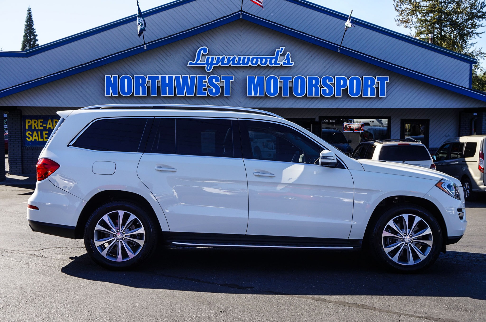 for gl condition white great sale class sell mercedes benz and used only miles arctic