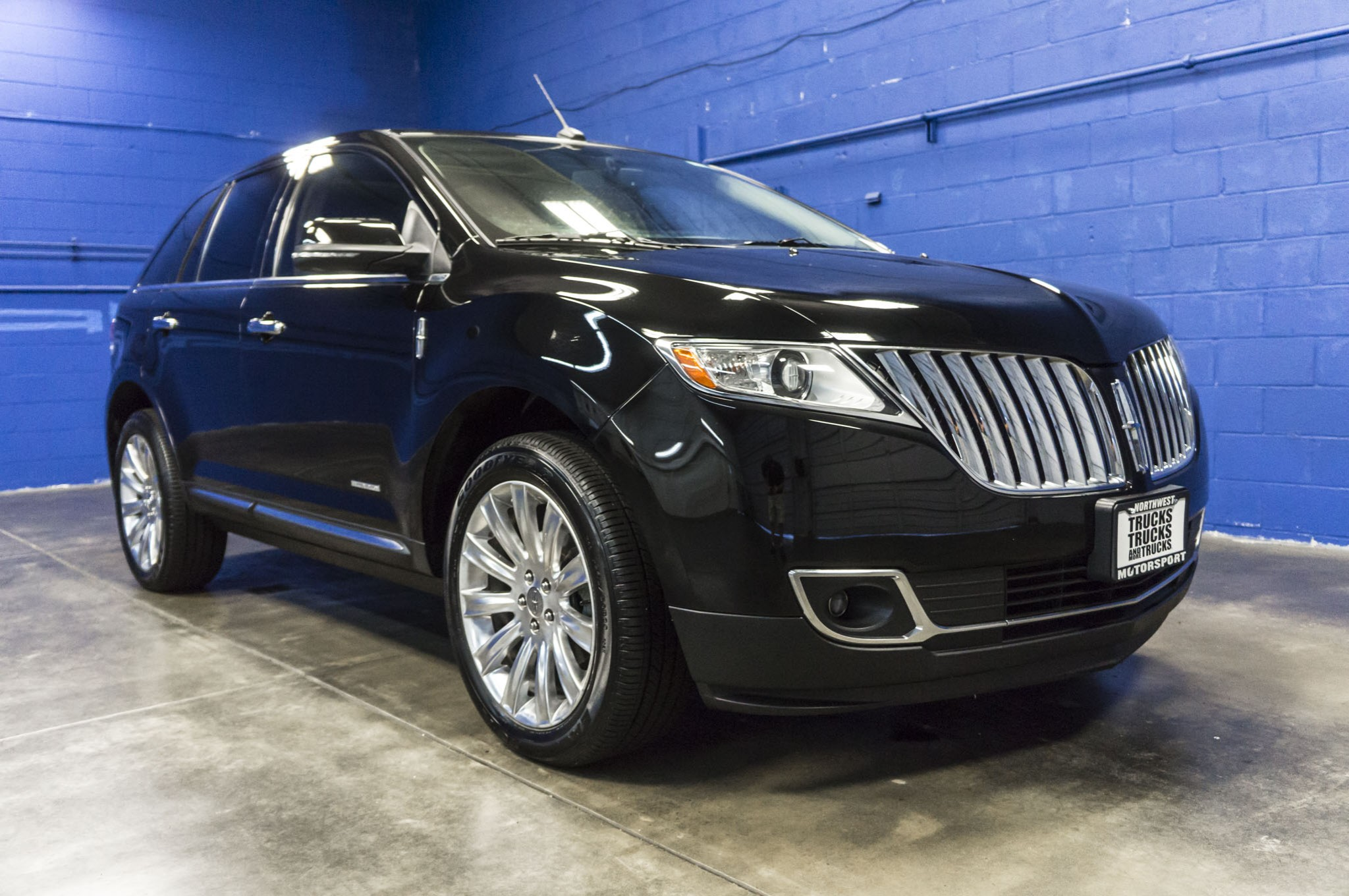 against lincoln mkx for has institute insurance a slammed the pin few safety wall highway