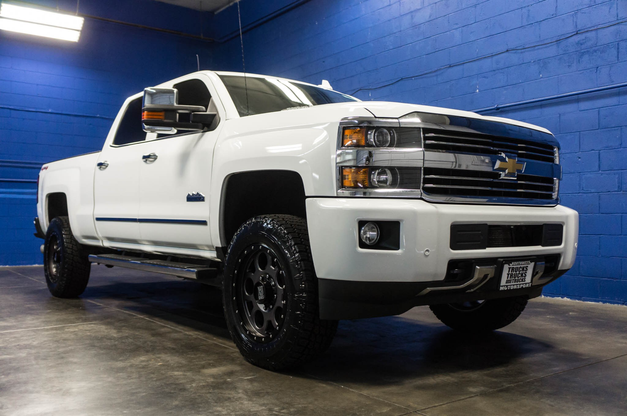 used lifted 2015 chevrolet silverado 2500 high country 4x4 diesel truck for sale 34599. Black Bedroom Furniture Sets. Home Design Ideas