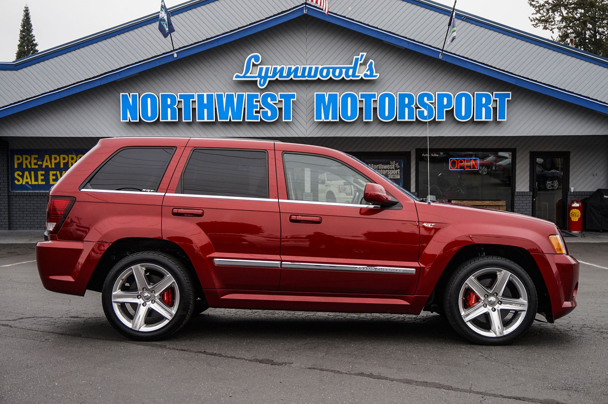 2009 jeep grand cherokee srt 8 4x4 - northwest motorsport
