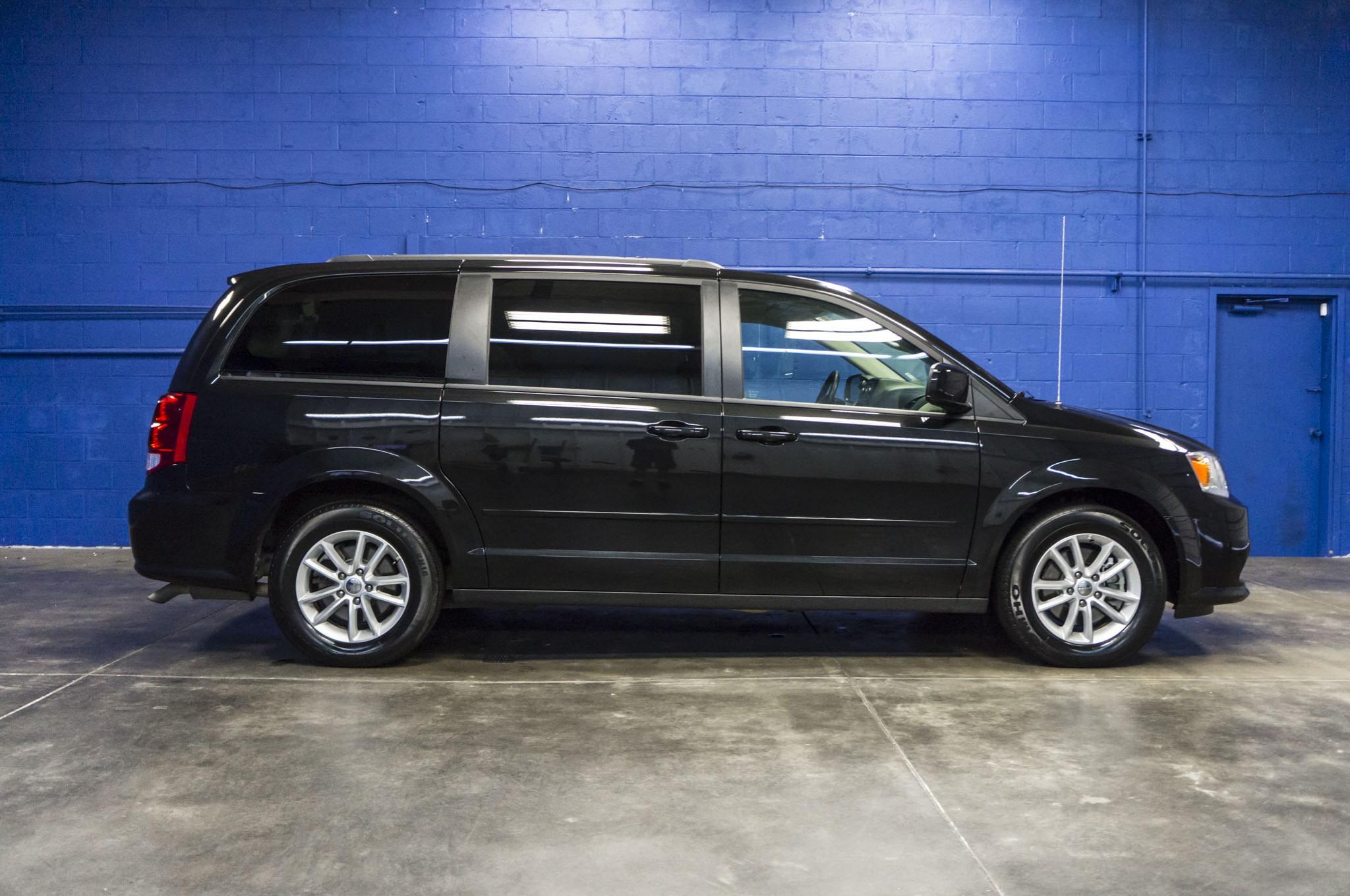 Used 2016 Dodge Grand Caravan SXT FWD Minivan Van For Sale