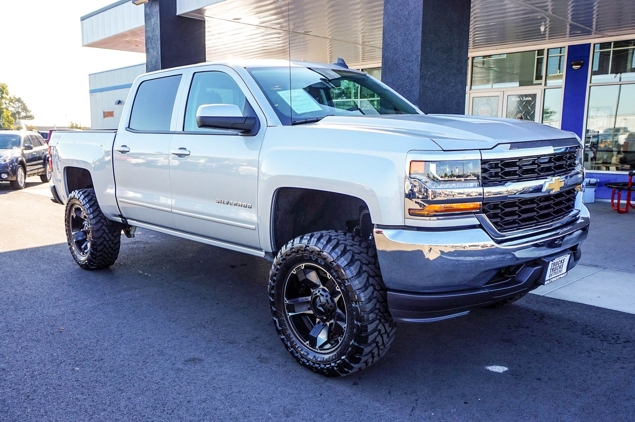 used lifted 2016 chevrolet silverado 1500 lt 4x4 truck for sale 34820. Black Bedroom Furniture Sets. Home Design Ideas