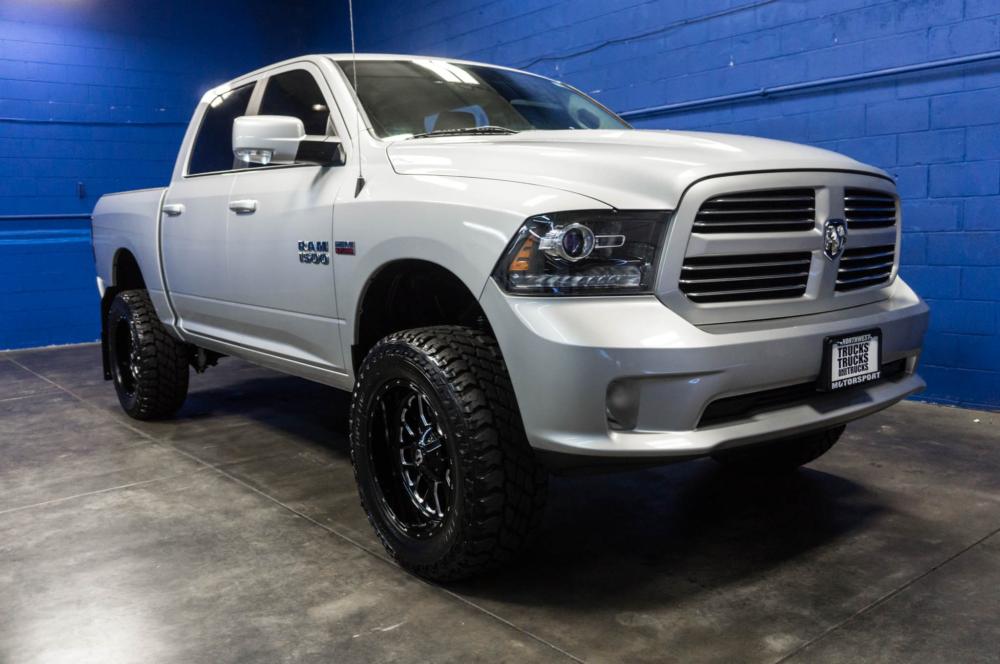 used lifted 2016 dodge ram 1500 sport 4x4 truck for sale. Black Bedroom Furniture Sets. Home Design Ideas