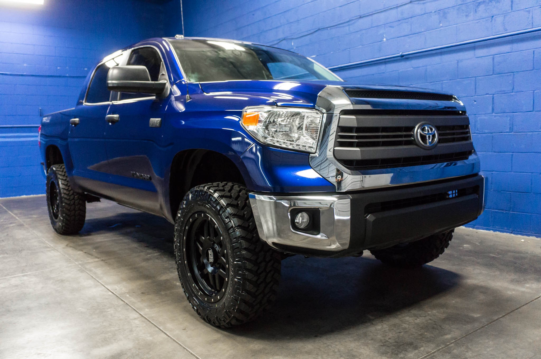 used lifted 2014 toyota tundra sr5 4x4 truck for sale 35170. Black Bedroom Furniture Sets. Home Design Ideas