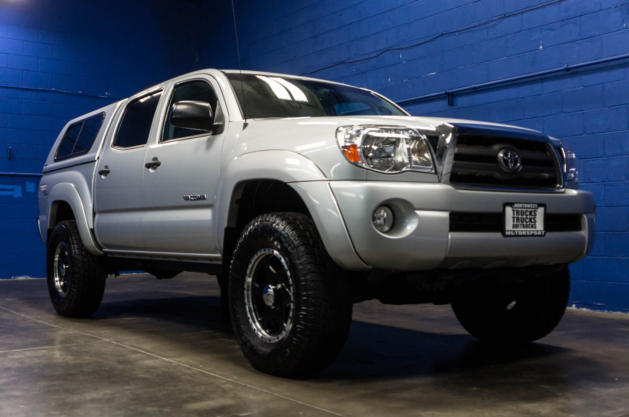 used lifted 2009 toyota tacoma sr5 4x4 truck for sale 35287. Black Bedroom Furniture Sets. Home Design Ideas