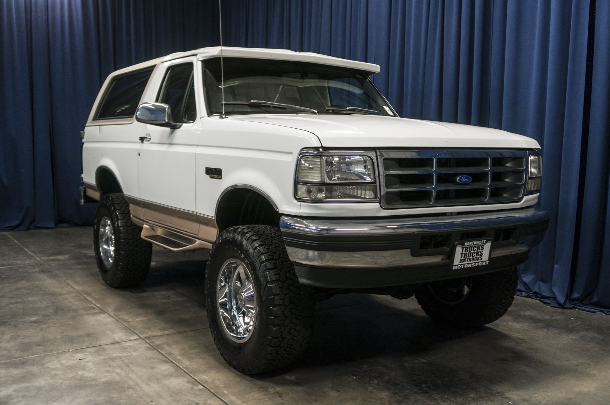 used lifted 1996 ford bronco eddie bauer 4x4 suv for sale 35454b. Black Bedroom Furniture Sets. Home Design Ideas