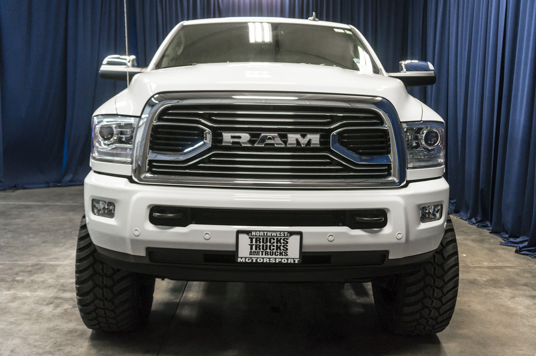 used lifted 2016 dodge ram 3500 limited 4x4 diesel truck for sale 35485. Black Bedroom Furniture Sets. Home Design Ideas