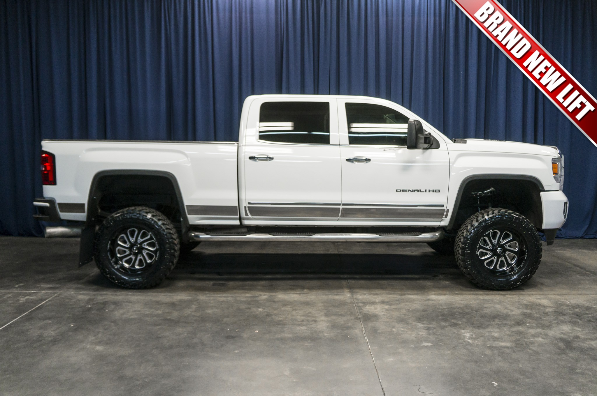 used lifted 2015 gmc sierra 2500 denali 4x4 diesel truck for sale 35608. Black Bedroom Furniture Sets. Home Design Ideas