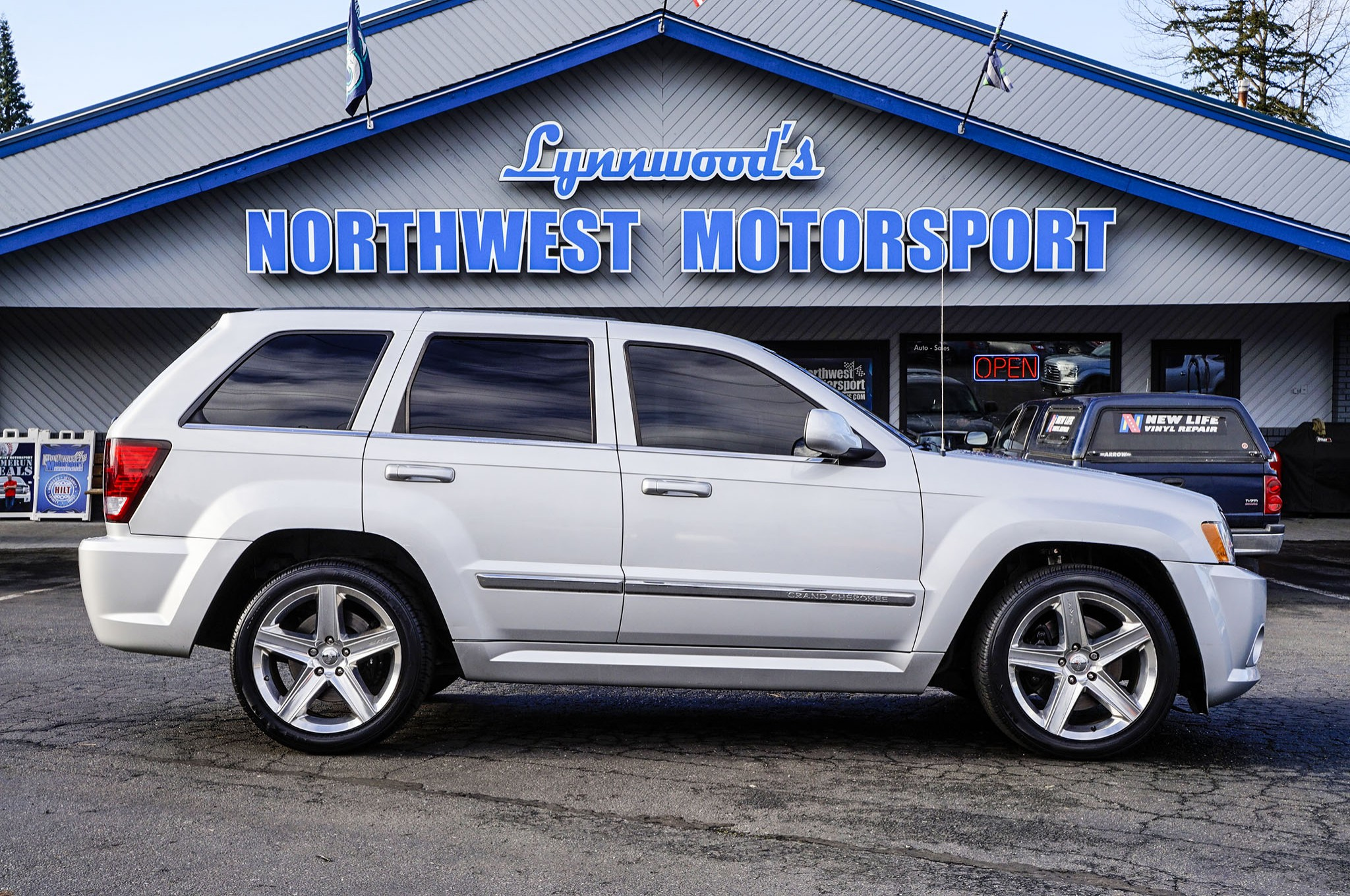 2007 jeep grand cherokee srt8 4x4 - northwest motorsport