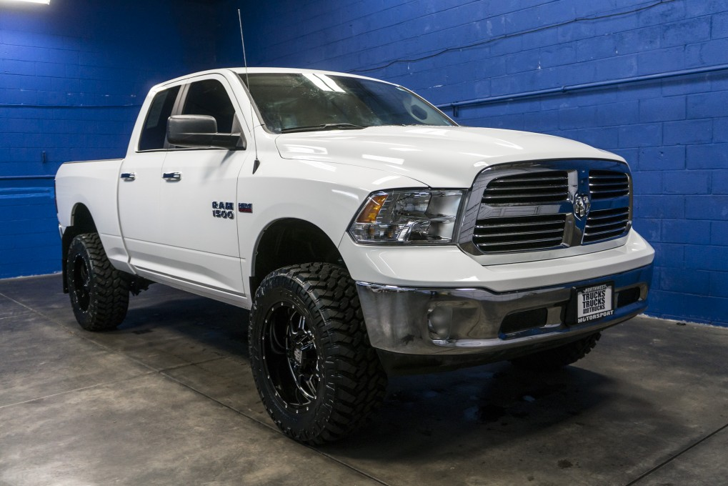 used lifted 2016 dodge ram 1500 big horn 4x4 truck for sale 35936. Black Bedroom Furniture Sets. Home Design Ideas