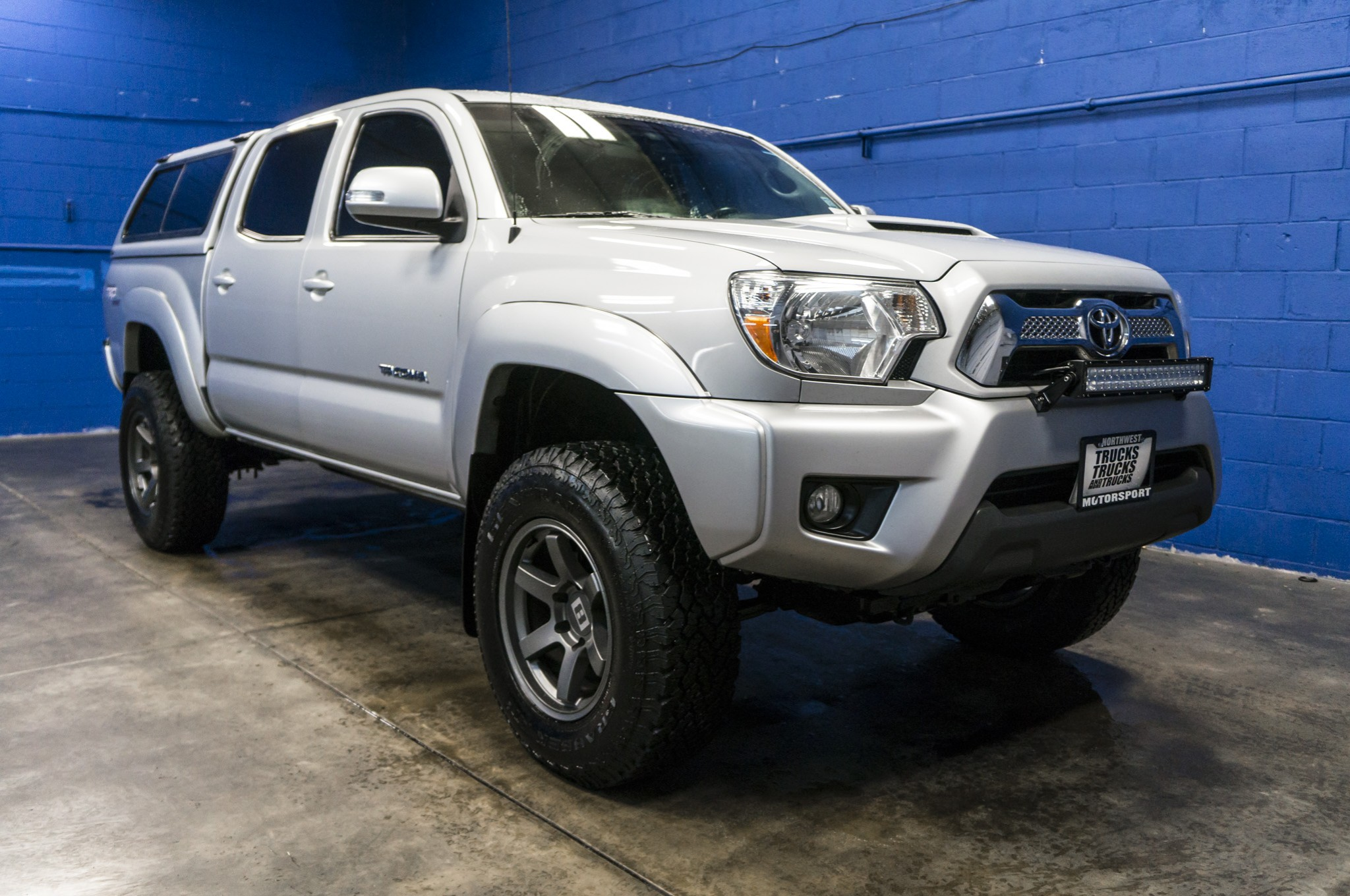 used lifted 2013 toyota tacoma trd sport 4x4 truck for sale 36118. Black Bedroom Furniture Sets. Home Design Ideas