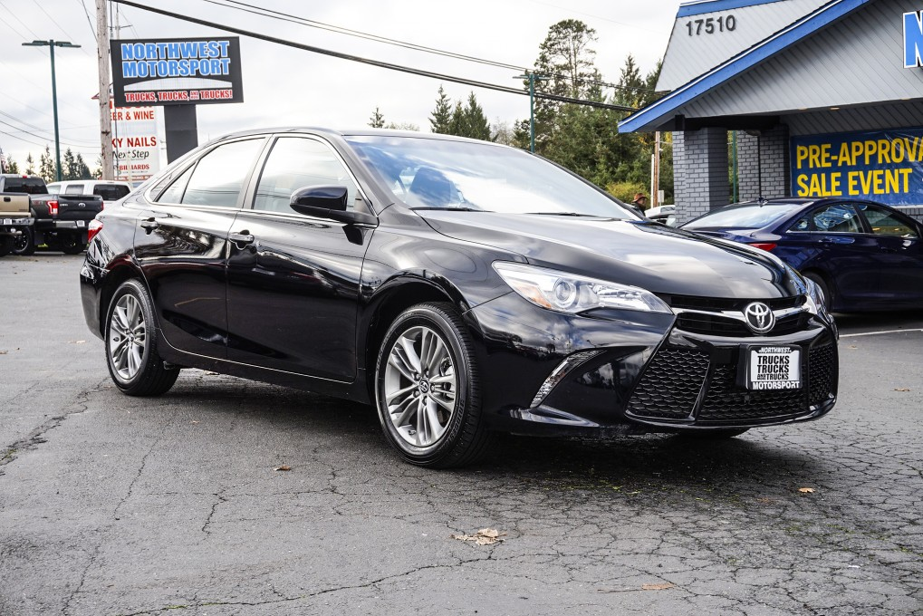 used 2016 toyota camry se fwd sedan for sale northwest motorsport. Black Bedroom Furniture Sets. Home Design Ideas