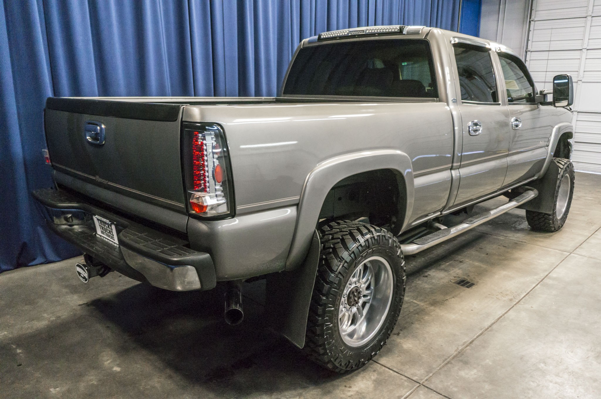 used lifted 2006 chevrolet silverado 6 6 lbz duramax diesel 2500hd diesel truck for sale 36457a. Black Bedroom Furniture Sets. Home Design Ideas